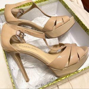 Gianni Bini Kelli T-Strap Platform Sandals